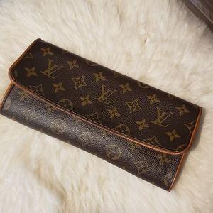 Louis Vuitton Clutch with Strap